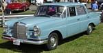 mercedes-benz-220-4-door.jpg