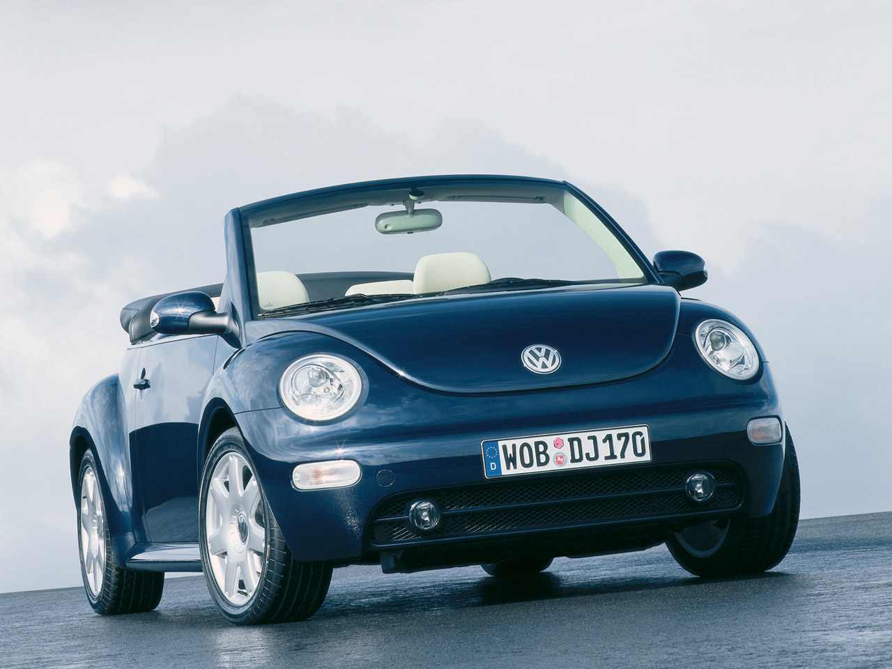 vw new beetle on pinterest volkswagen new beetle beetle convertible and beetles. Black Bedroom Furniture Sets. Home Design Ideas