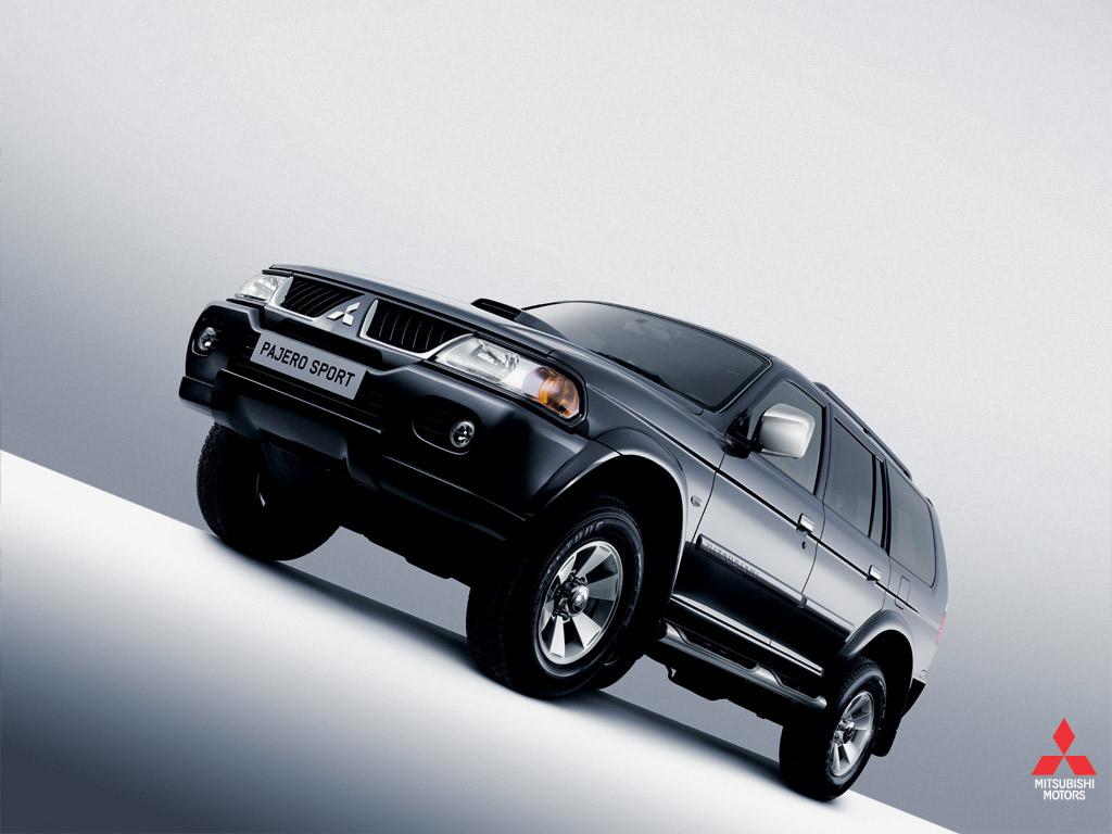 Mitsubishi Pajero Sport 4WD Wallpapers