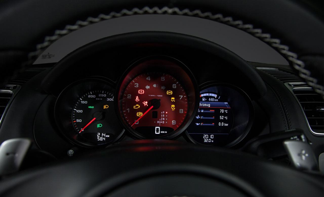 http://www.cars-wallpapers.net/wp-content/uploads/2012/09/Porsche-Boxster-981-2.jpg