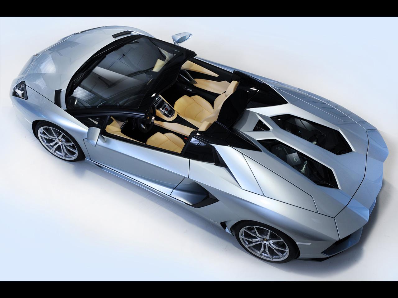 Qual carro não tem no Need que deveria ter? - Página 5 2013-Lamborghini-Aventador-LP-700-4-Roadster-3